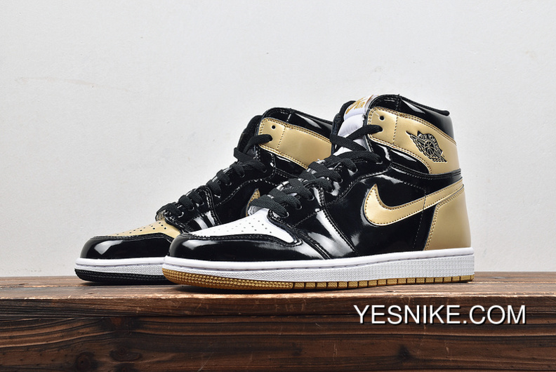 cheaper 2a4e7 ee8e0 Air Jordan 1 ComplexCon Gold Top 3 Black Gold What The 861428-001 Color  Change To Black White Gold Three Color Shows A Person And Inject Patent ...